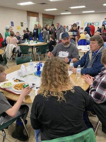 Communities hosts spaghetti dinner